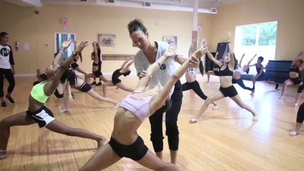 vaughan dance studio teacher teaching a dance class to a junior competitive team