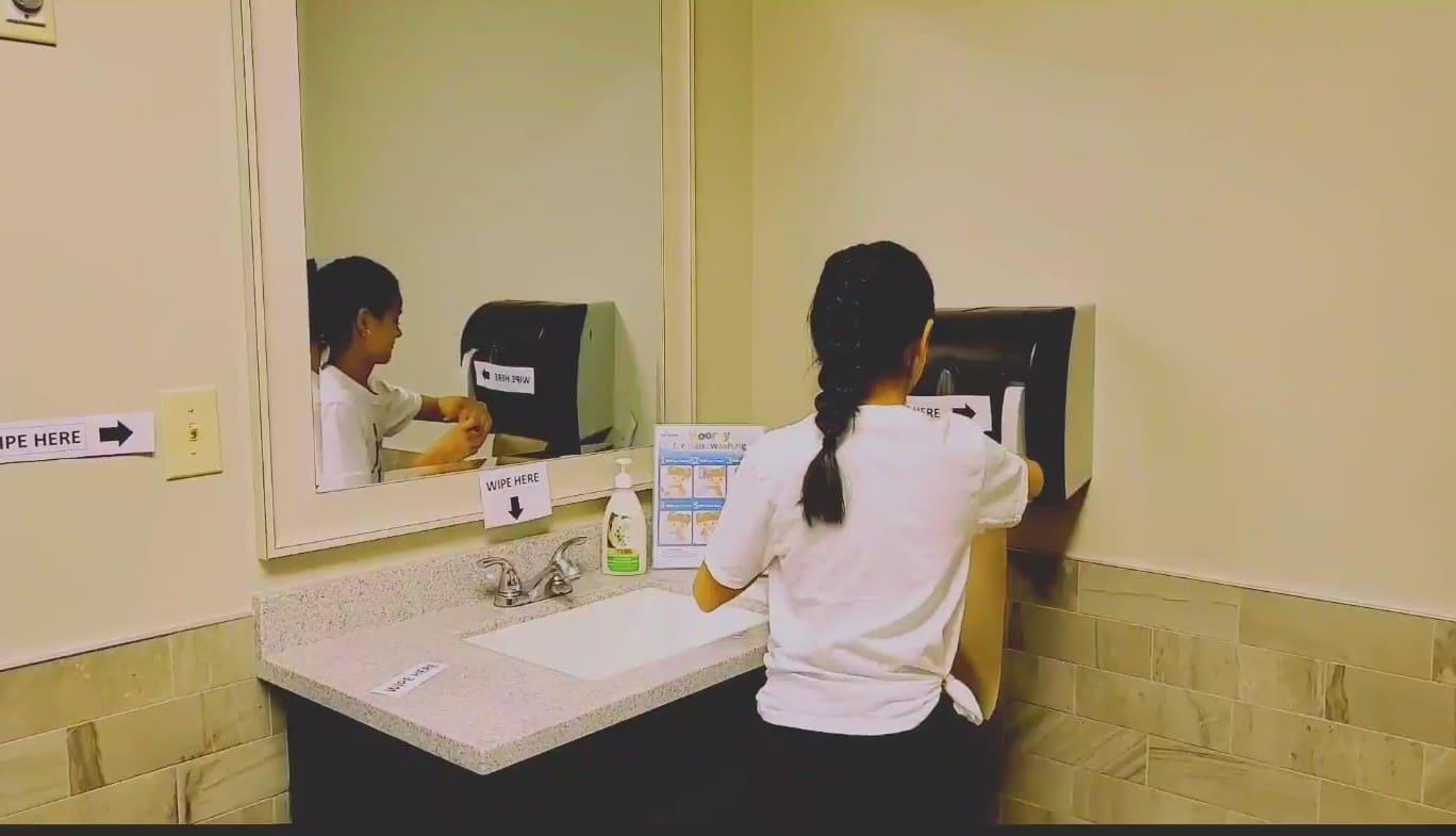 4. JCB Washroom Hygiene_Moment2