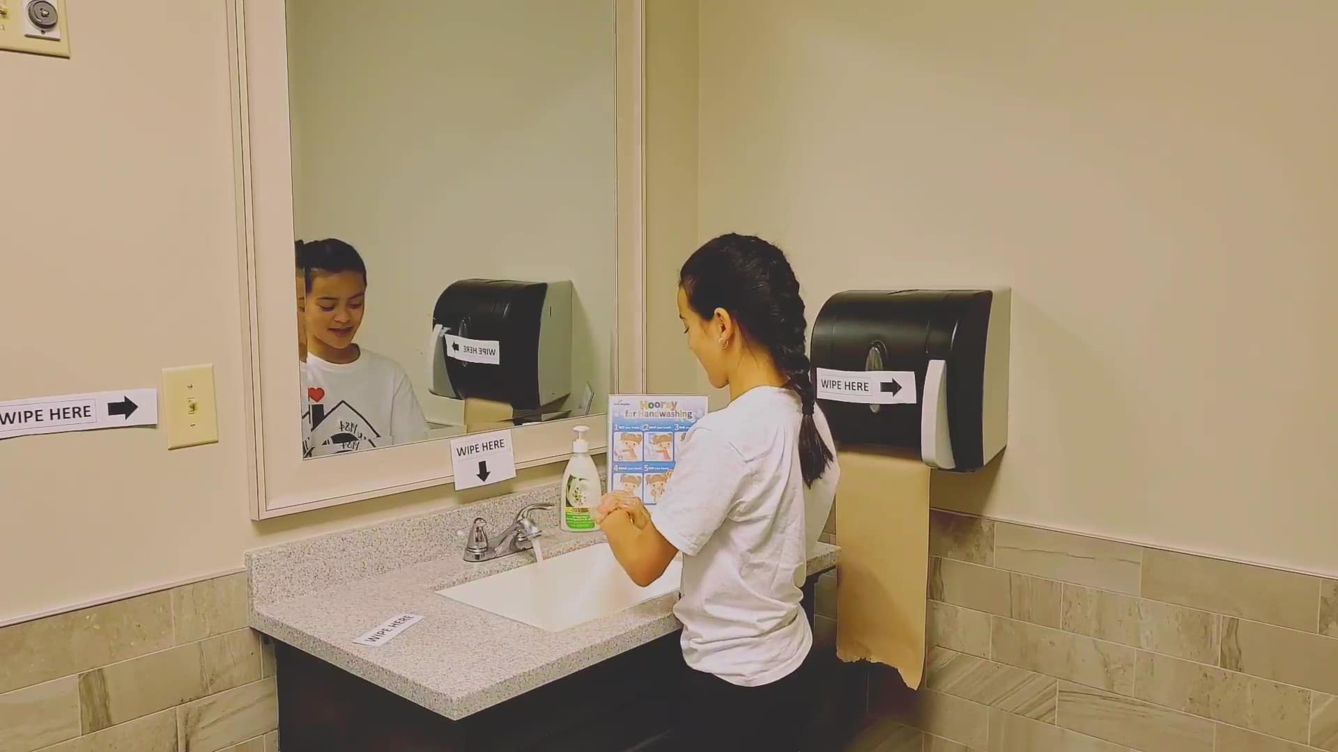 5. JCB Handwashing Hygiene_Moment